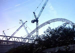 Cranes and the arch of the new Wembley Stadium